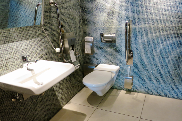 WC adapté aux fauteils roulant Restaurant / Pizzeria Seilerhaus / Molino