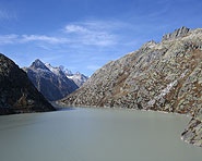 Technology and nature on Lake Grimsel