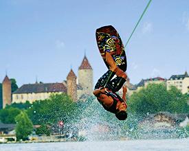 Estavayer-le-Lac und sein Wasserskilift
