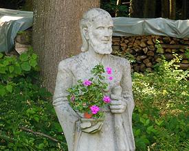 SL_001_05_St_Margrethen_Nebengraben_Statue